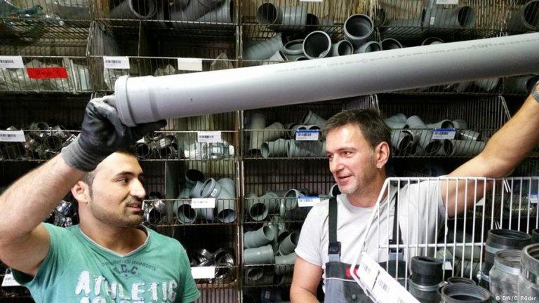 بحسب المكتب الاتحادي للعمل في ألمانيا فإن 2200 لاجئ يحصلون إسبوعياً على فرصة عمل