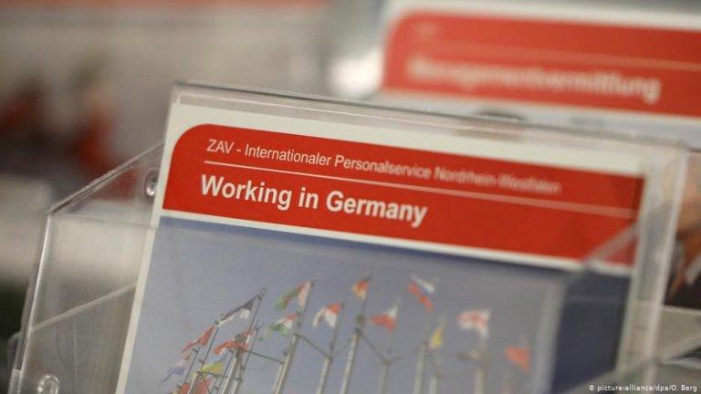 آلمان د بهرني مسلکي کارګرو د جلب له پاره ځانګړی قانون جوړ کړی  Photo: picture-alliance/dpa/O. Berg