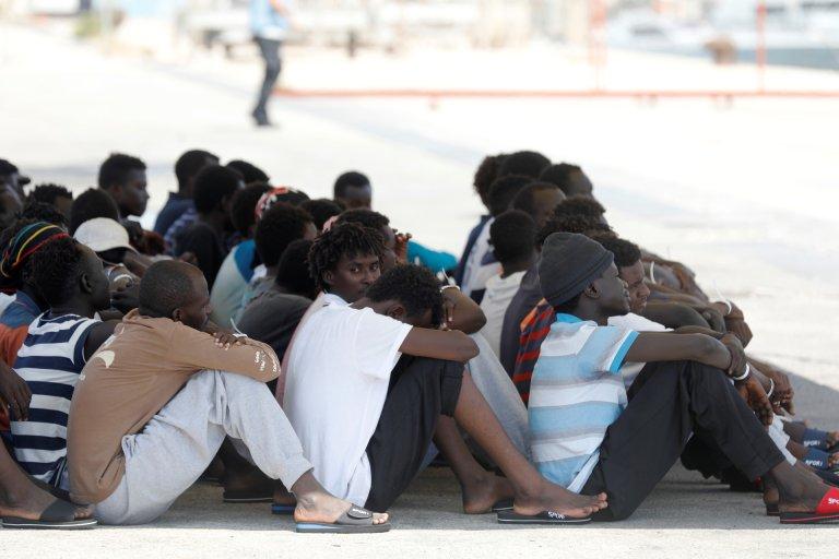 Des migrants au port italien de Pozzallo, après avoir été secourus par un navire humanitaire, le 2 septembre 2019. Crédit : Reuters.