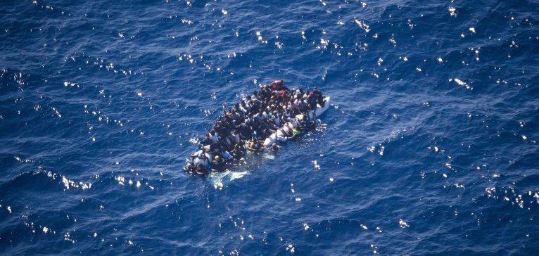 Le 5 juin dernier, le Colibri a repéré une embarcation en détresse dans la Méditerranée. Crédit : Pilotes volontaires