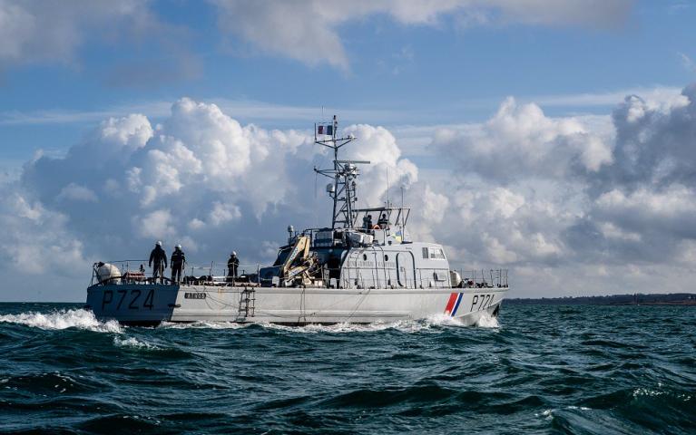 یک کشتی نیروهای دریایی فرانسه در کانال مانش. عکس از @premarmanche