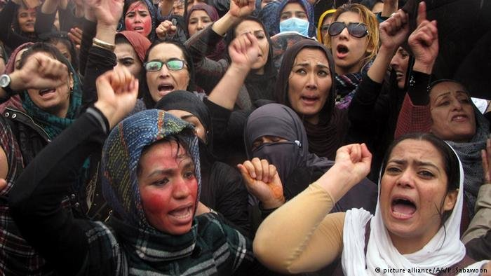 نساء أفغانيات يتظاهرن  ضد العنف الجنسي