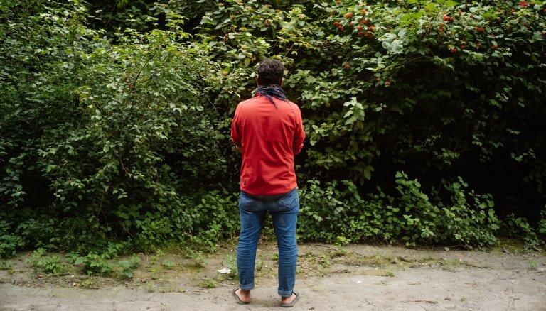 Nazer, la trentaine, tente chaque soir ou presque de passer au Royaume-Uni. Crédit : Louis Witter/InfoMigrants