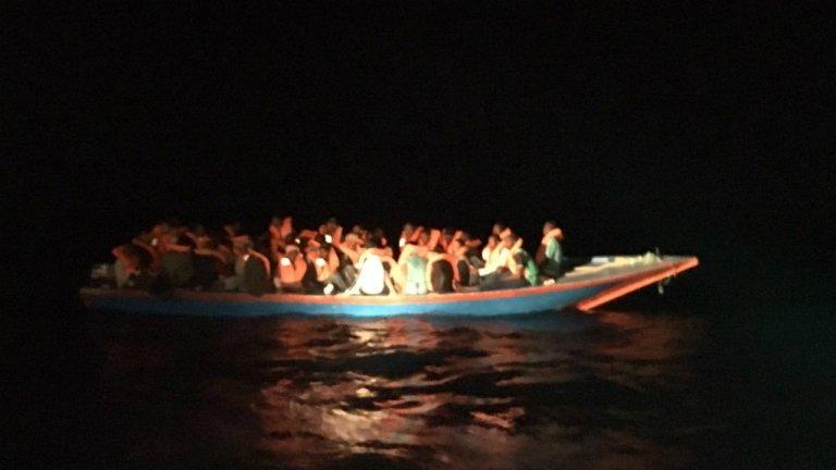 Quarante migrants ont été secourus par l'Open Arms, dimanche 6 octobre. Crédit : capture d'écran Open Arms