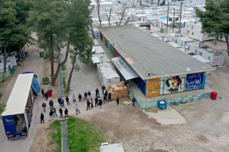 ANSA / مخيم اللاجئين وطالبي اللجوء في ريتسونا بشمال إثينا، حيث يعيش هناك 2800 شخص. المصدر: إي بي إيه / أندرياس تساكنار.