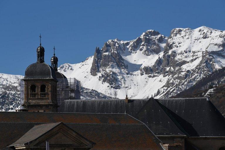 Vue sur les montagnes depuis la ville de Briançon. Crédit : Mehdi Chebil
