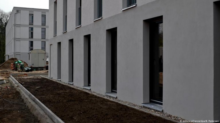 Berlin, 2018: Construction of a refugee accommodation | Photo: Picture-alliance/dpa/B.Pedersen