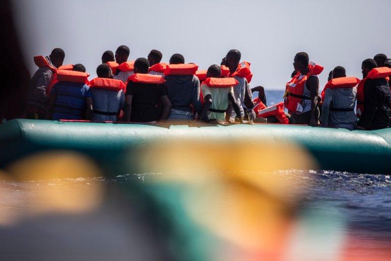 Parmi les 60 rescapés se trouvent six femmes, 21 mineurs non accompagnés et un bébé. Crédit : MSF