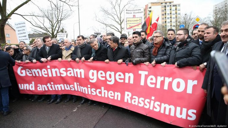 Protest in Hanau | Photo: Picture-alliance/AA/D.Aydemir