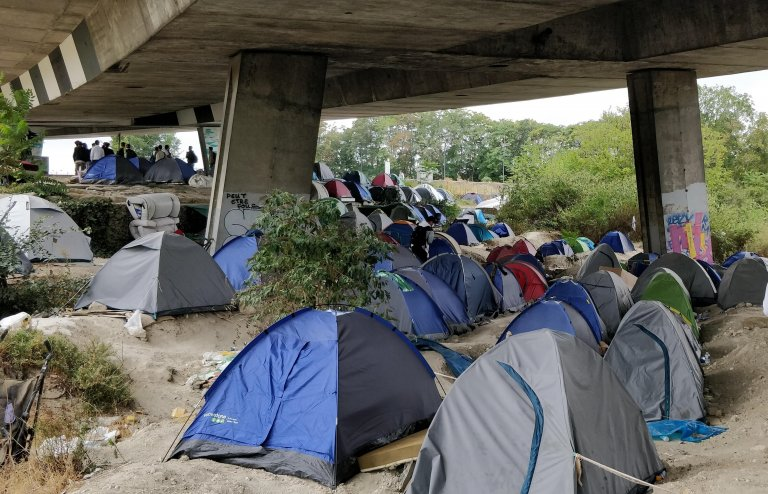 کمپ سن دنی، در شمال پاریس، ۲۸ اگست ۲۰۲۰.  عکس از مهاجر نیوز