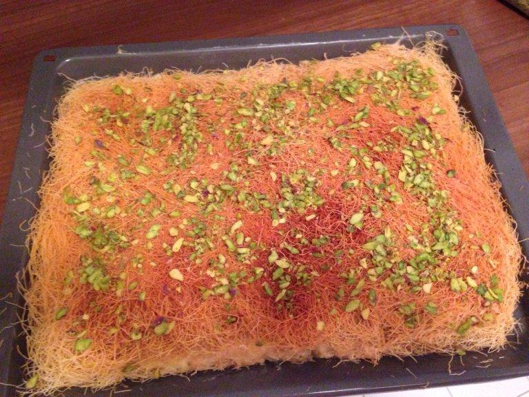 Pâtisserie syrienne. Photo prise du groupe Facebook : cuisine d'exil