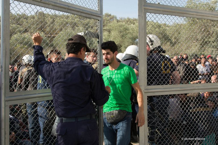 The first of five so-called hotspots opened on Lesbos Island in Greece in 2015. The Citizenship Identification Centers were intended to screen and register all incoming migrants | Photo: picture alliance/NurPhoto/M. Gael