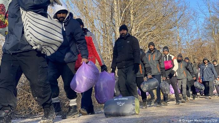 Dragan Maksimović/DW |لاجئون على حدود البونسة والهرسك مع كروايتا، الدولة العضو بالاتحاد الأوروبي (29/12/202)