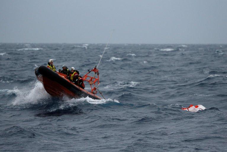 عکس آرشیف: عملیات نجات مهاجران در مدیترانه. عکس از رویترز