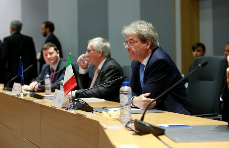 REUTERS/Olivier Hoslet/Pool  (Photo d'illustration) Le président du Conseil italien Paolo Gentiloni, lors d'une réunion à Bruxelles le 14 décembre 2017.