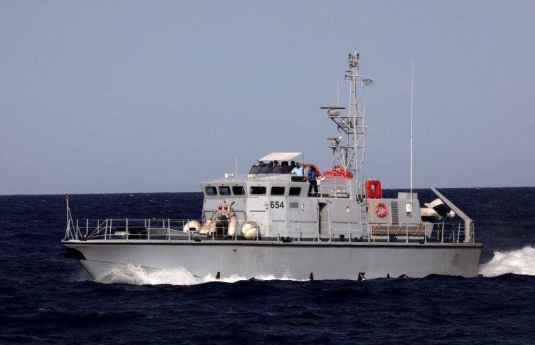 یک کشتی محافظان ساحلی لیبیا در مدیترانه در ماه اگست  ٢٠١٧