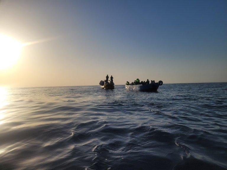 L'ONG SOS Méditerranée a effectué 4 sauvetages durant le week-end des 18 et 19 septembre 2021. Crédit : Laurence Bondard / SOS Méditerranée