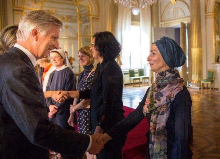 لمى ألبيك خلال استقبالها وتكريمها من قبل الملك والملكة البلجيكيين (صورة خاصة)