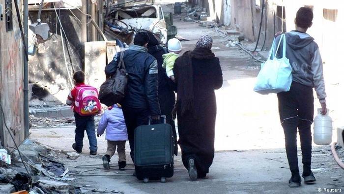 Reuters |يحتاج حوالي 24 مليونا سوريا إلى مساعدات أساسية، بزيادة أربعة ملايين خلال العام المنصرم وهو أعلى رقم حتى الآن منذ اندلاع النزاع السوري.