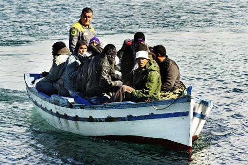 AFP/Roberto Salomone |Arrivée d'un nouveau bateau d'immigrants tunisiens, sur l'île de Lampedusa.