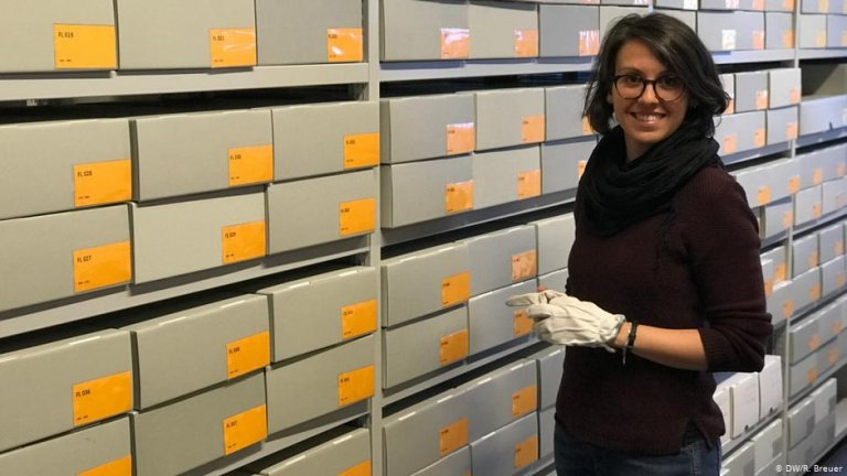 Sandra Vacca heads up The Virtual Migration Museum project, whose exhibits are carefully stored away | Photo: DW/R.Breuer