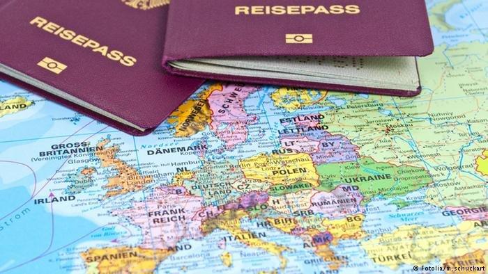 يقوم مهاجرون بالزواج من فتيات ألمانيات على الورق فقط من أجل تحسين وضعهم القانوني