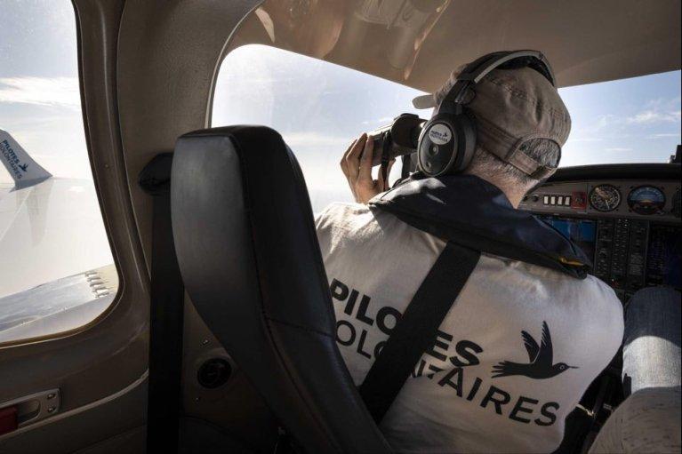 پیلوتان رضاکار هنگام جستجوهای هوایی بر فراز مدیترانه در هواپیمای کولیبری۲. عکس از گایل هنکنس/ پیلوتان رضاکار