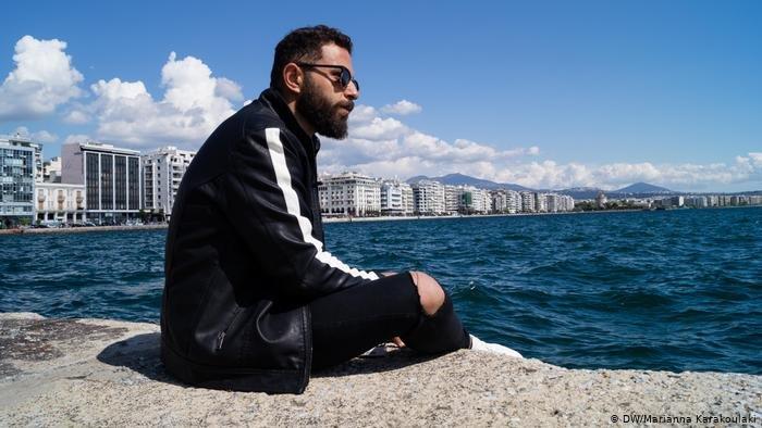 پِدرو پناهجوی لبنانی است و در یونان به سر میبرد.
