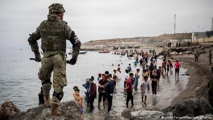 وصل أكثر من 8 آلاف مهاجر من المغرب إلى إسبانيا في اليومين الماضيين