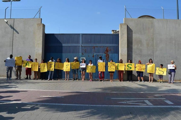 a demonstration organized by Sos Racismo in front  of a detention center in Valencia. Credit: NGO Sos Racismo