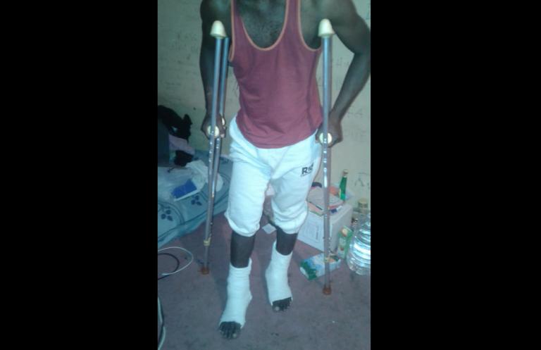 Alpha a été blessé par balles dans un centre en Libye. Crédit : DR