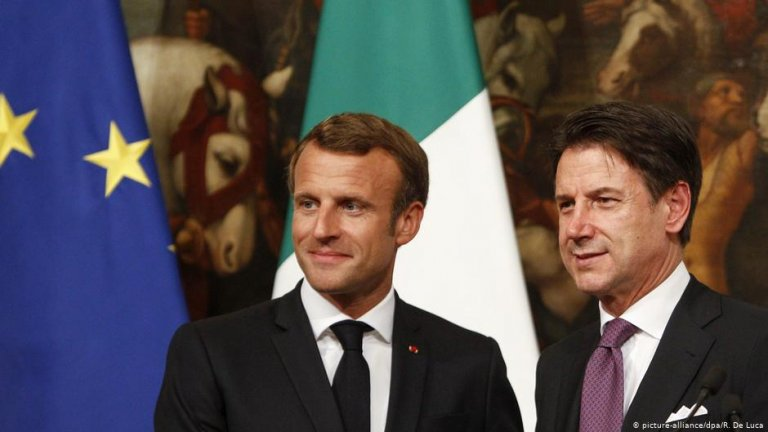 Macron (l.) and Conte (r.) are inching forward to a solution in the redistribution of migrants | Photo: picture-alliance/dpa/R. De Luca