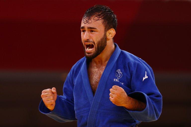 Luka Mkheidze a obtenu la médaille de bronze aux Jeux Olympiques de Tokyo, après sa victoire contre le Coréen Kim Won-jin. Crédit : Reuters