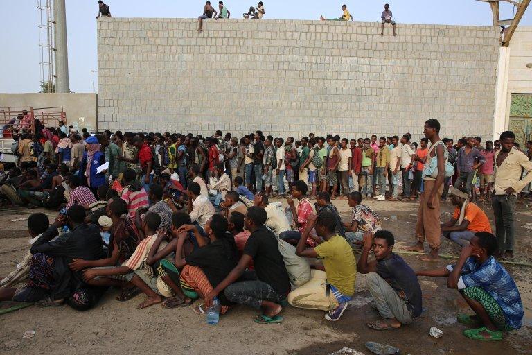ANSA / مهاجرون غير شرعيين رهن الاحتجاز. المصدر: منظمة الهجرة الدولية.
