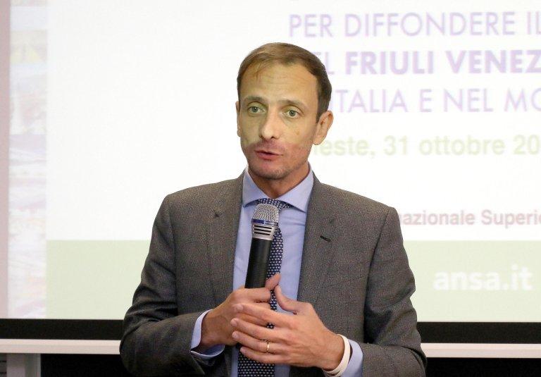 ماسيميليانو فيدريغا حاكم مقاطعة فريولي فينسيا جوليا الإيطالية المصدر / أرشيف / أنسا / أندريا لاسورتي