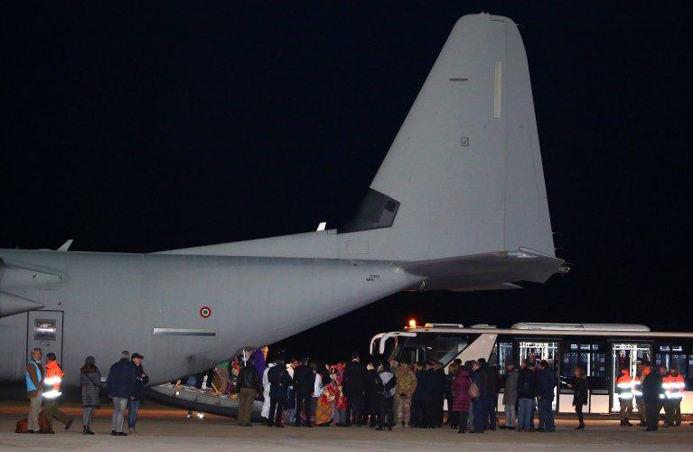 L'Italie a accueilli vendredi 22 décembre 162 réfugiés évacués de Libye. Crédit : Reuters