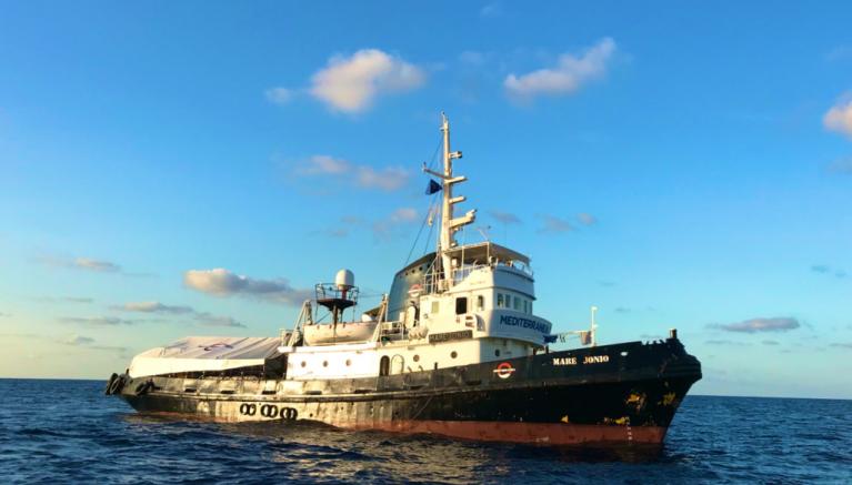 سفينة ماري جونيو قبالة السواحل الليبية. صورة مأخوذها من صفحة القارب على تويتر