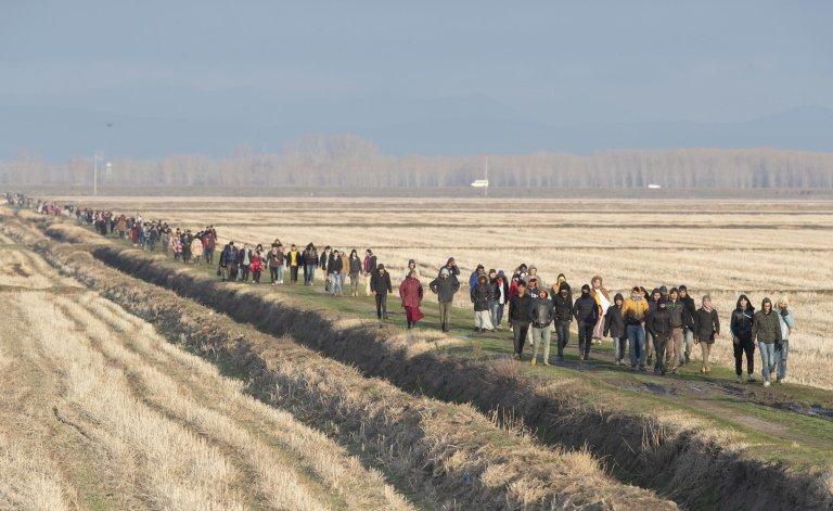 ANSA / لاجئون على الحدود البرية بين تركيا واليونان. المصدر: إي بي إيه / تولجا بوزوجلو.