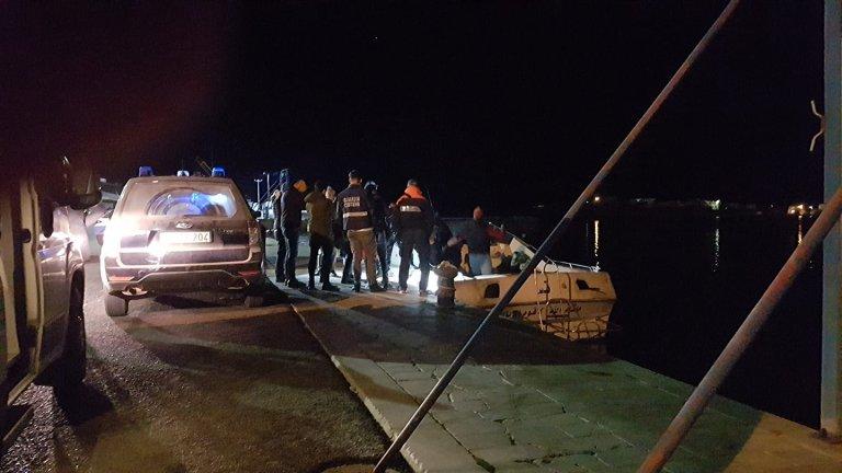 """وصل مهاجرون ليبيون إلى ميناء لامبيدوزا مساء الأحد. المصدر: منظمة """"ميدتيريان هوب"""""""