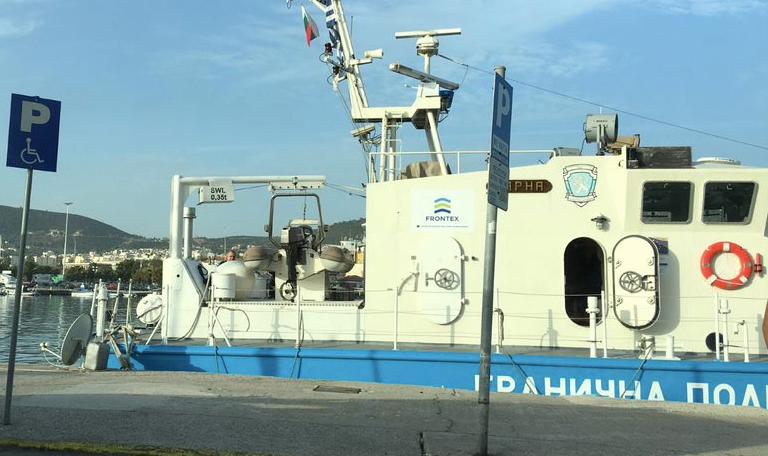 Frontex vessel in Mytilene harbor, October 2020 | Photo: Marion MacGregor/InfoMigrants