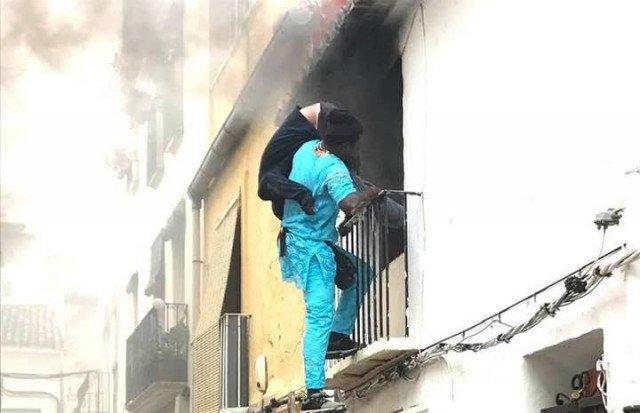 Gorgui Lamine Sow a secouru un homme piégé dans les flammes. Crédit : Facebook de Roberta Etter