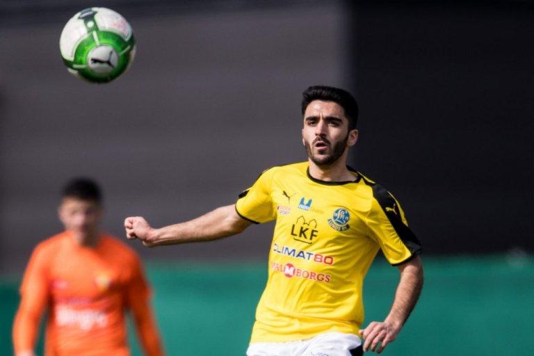 نورالله امیری فوتبالیست افغان در سویدن. عکس: Jens Soderling/Agence Svensk