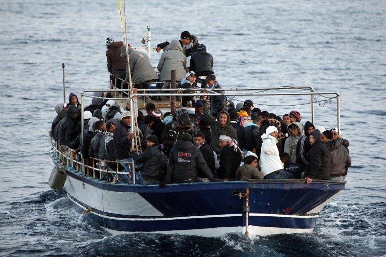 © Reuters/Antonio Parrinello |Ici, l'arrivée à Lampedusa d'un bateau avec des migrants tunisiens, en mars 2011.