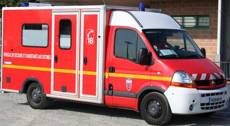 """Le jeune enfant et la mère cachés dans le camion ont été transportés à l'hôpital """"pour des vérifications"""". Crédit : DR"""