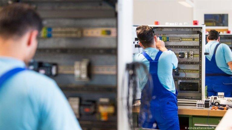 Photo : L'Allemagne tente de mettre fin à la pénurie de main d'œuvre dans certains secteurs   Photo: picture-alliance/dpa