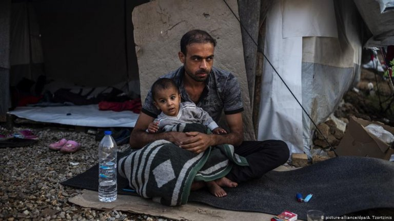Conditions for refugees on the Greek islands, as here on Lesbos, can be dire | Photo: picture-alliance/dpa/A. Tzorzinis
