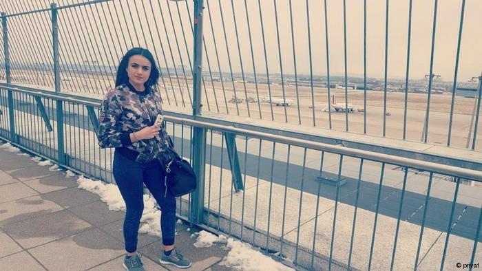privat  الفتاة الإيزيديةأشواق حجي حميد في مطار شتوتغارت