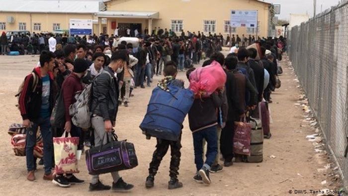 بازگشت توده ای مهاجران افغان از ایران در ماه مارچ