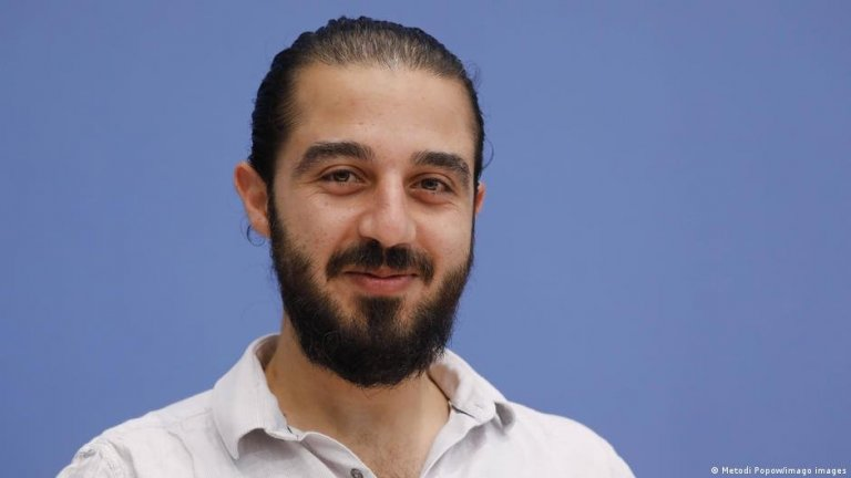 Tareq Alaows a lancé sa campagne cette semaine pour se présenter aux élections législatives de septembre | Photo : Metodi Popow/imago images
