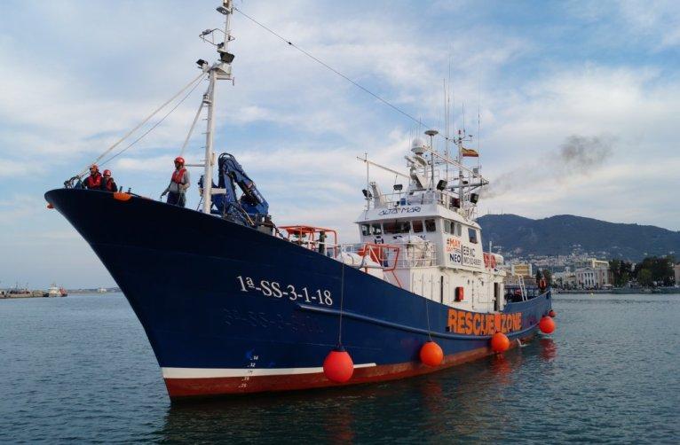 ازآرشیف : کشتی آیتا ماری در نزدیک جزیره لیسبوس یونان. عکس: مدیترانیو